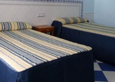 habitaciones-hostal-del-sol